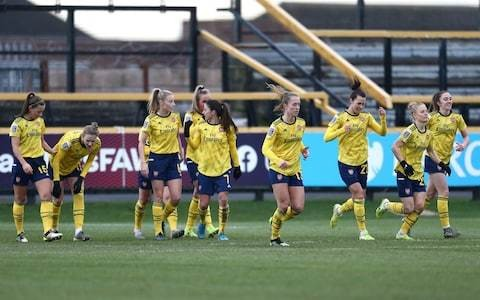 Arsenal and Vivianne Miedema give improving Everton a reminder of how far behind they remain