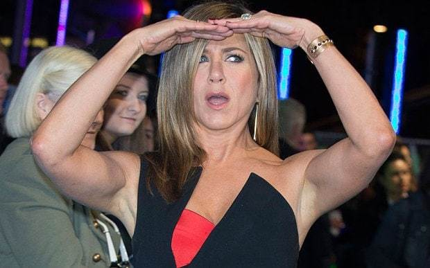 Jennifer Aniston ends feud with Brad and Angelina