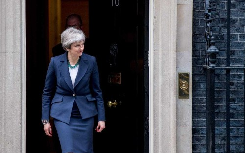 Theresa May warned she will betray Brexit if she accepts amendments to remain in a customs union