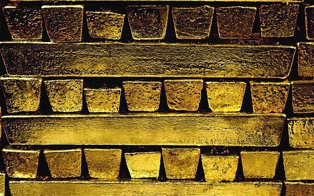 Gold 'will hit $1,500' as investors seek safe haven