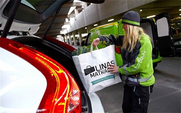Shopping delivered straight to your car