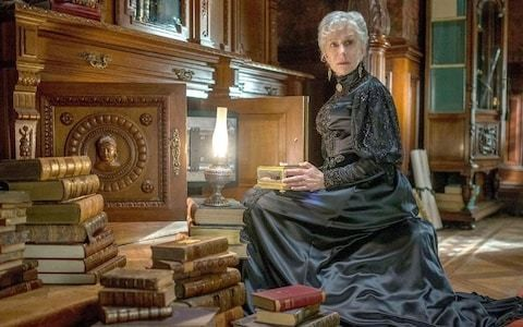 Winchester review: not even Helen Mirren's glares can save this screamingly bad poltergeist pile-up