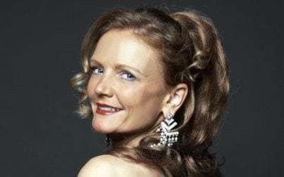 Cabaret singer nicknamed 'the veteran's sweetheart' stalked by soldier
