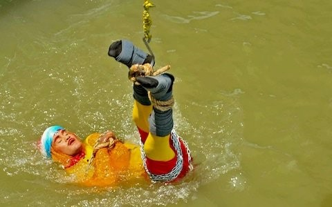 Indian stuntman dies after trying to replicate Houdini river escape