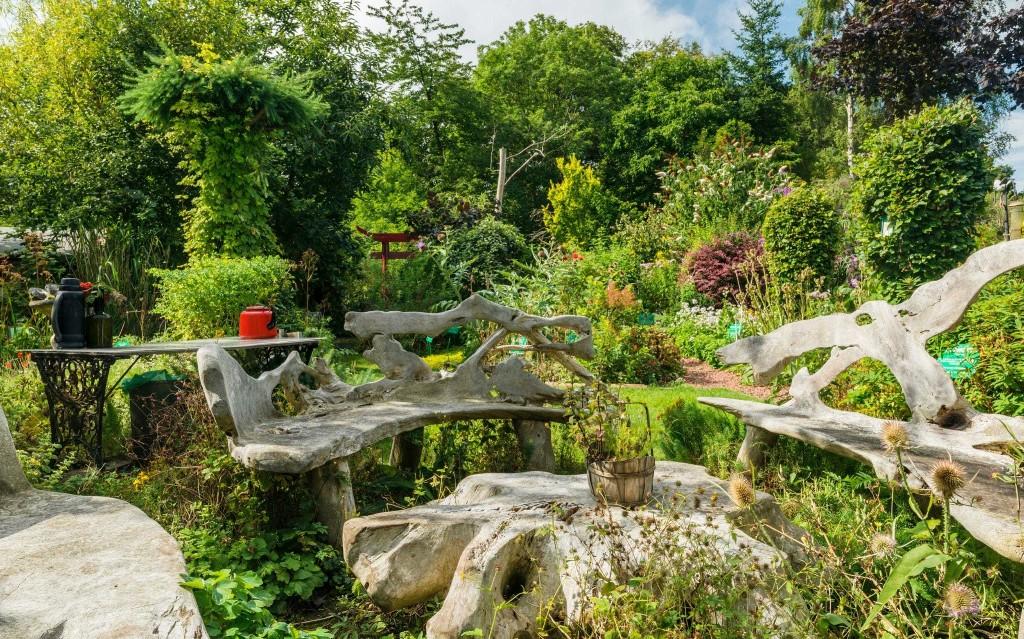 How to plant a medicinal herbal garden