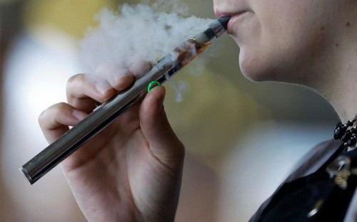Mental health hospital to hand out free e-cigarettes to those trying to quit smoking