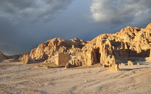 Explore the incredible sights of Nevada