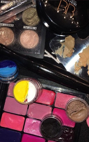 How one of Mac's 484 make-up artists backstage packs for fashion week