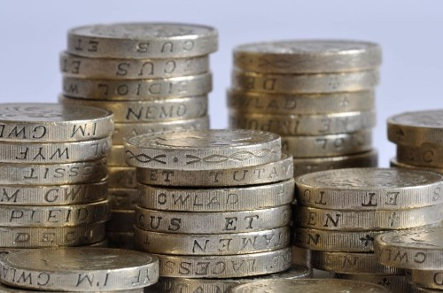 Bribe older workers to retire later with cash lump sums, Government adviser recommends