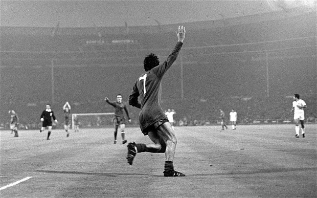 Immortal: the Approved Biography of George Best, by Duncan Hamilton, review