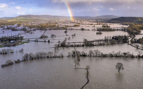 Government 'must spend big on flood defences', says former adviser