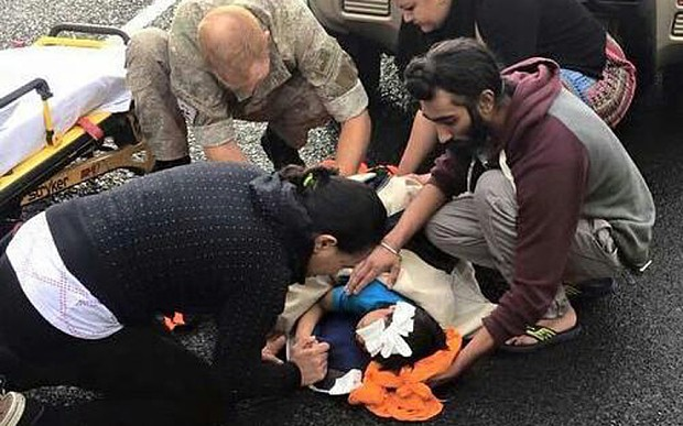 Sikh man rewarded in New Zealand after using turban to cradle head of injured boy, 5