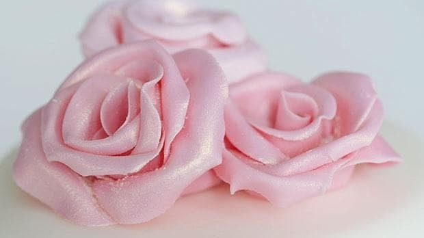 Cake creations: how to make fondant icing roses