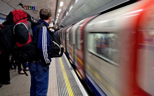 Swivelling backpack could help combat the Tube crush