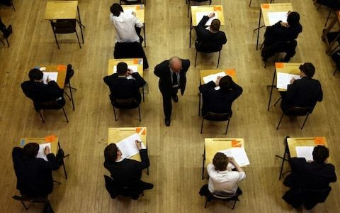 Grammar school pupils are no more likely to go to a top university than their comprehensive educated peers