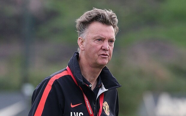 Manchester City v Manchester United: Louis van Gaal taunts Premier League champions ahead of first derby of the season