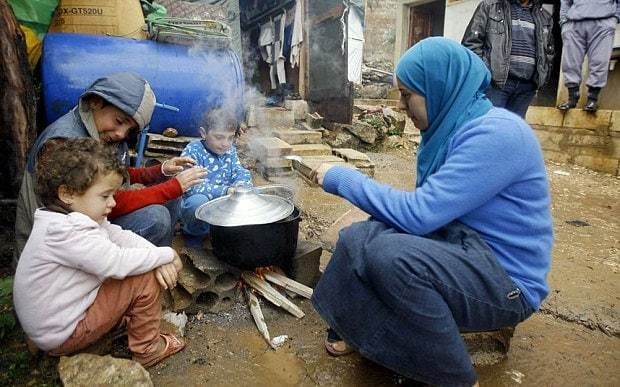 Food supplies to Syrian refugees halted as UN's money runs out
