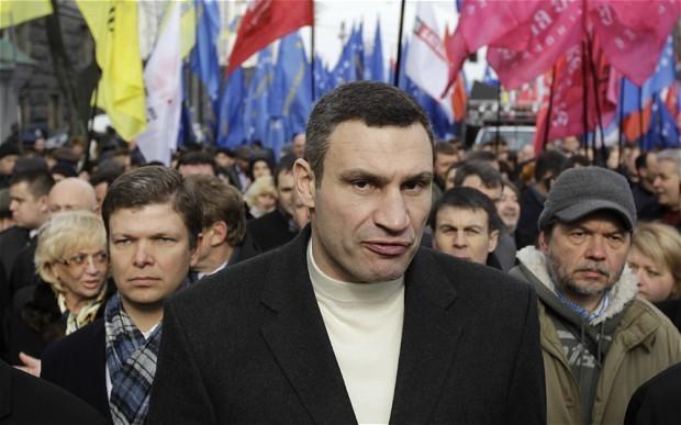 Vitali Klitschko 'to run for Ukraine president'