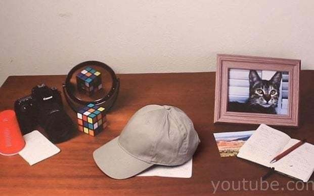 Mind-blowing optical illusion: can you guess which item on this table is real?