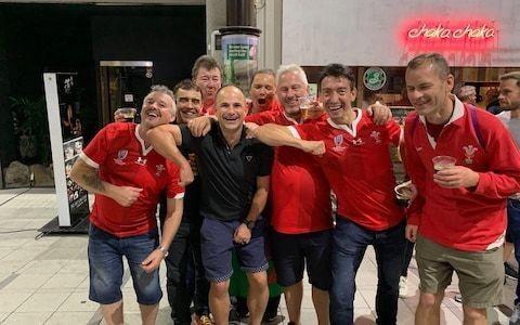 World Rugby investigating social media photo showing referee jokingly re-enacting Sebastien Vahaamahina red card offence
