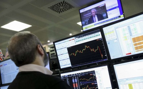 Market report: Plus500 at 19-month low as woes rise