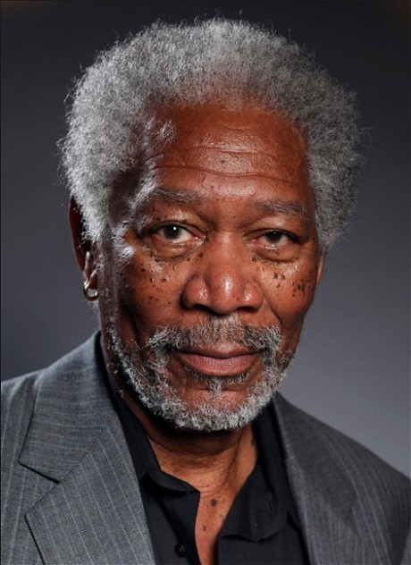 Artist creates realistic Morgan Freeman painting using iPad Air