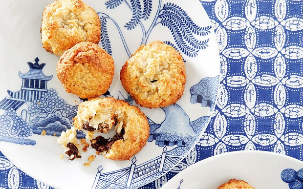 The New Baker: Coconut chocolate macaroons