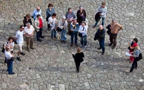 What makes a great tour guide - and why the French need to lighten up