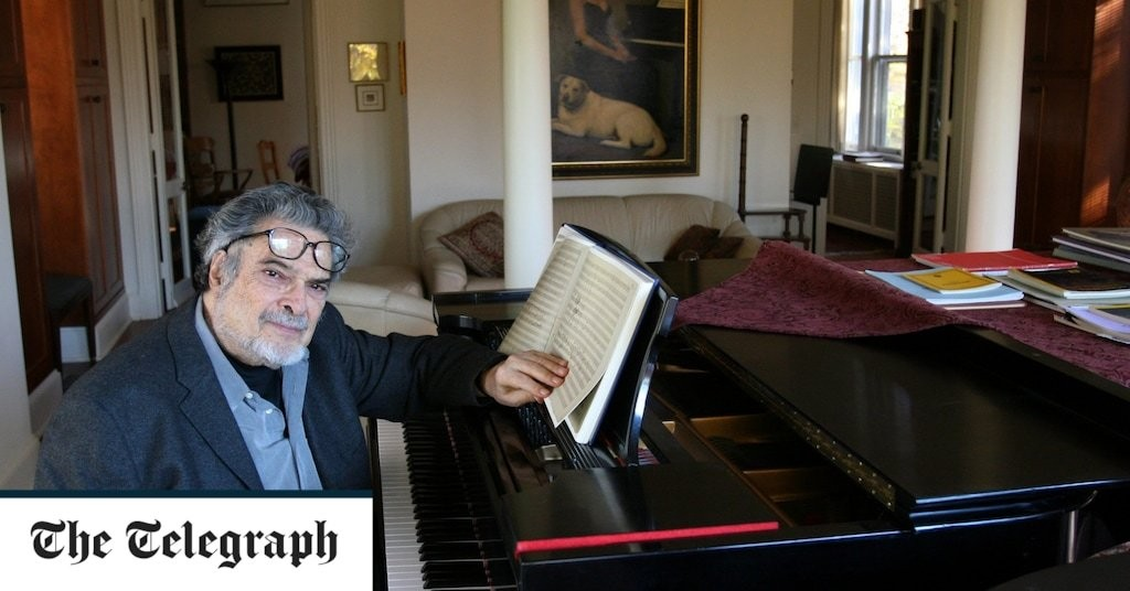 Leon Fleisher, pianist who adapted with panache when he lost the use of one hand – obituary