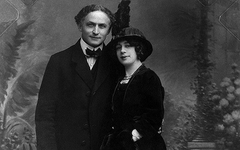 Harry Houdini: Why people are still trying to contact the undead escapologist