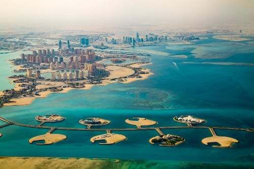 16 facts about Qatar, the richest, safest, most polluting country on Earth