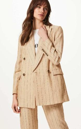 This £79 jacket will solve your transeasonal dressing dilemmas