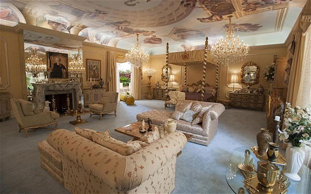 Liberace's mansion bought by British businessman