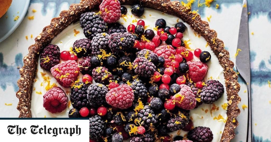 No-bake Greek yogurt and berry tart recipe