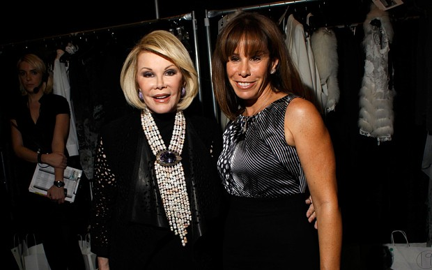 Doctors begin to take Joan Rivers out of coma