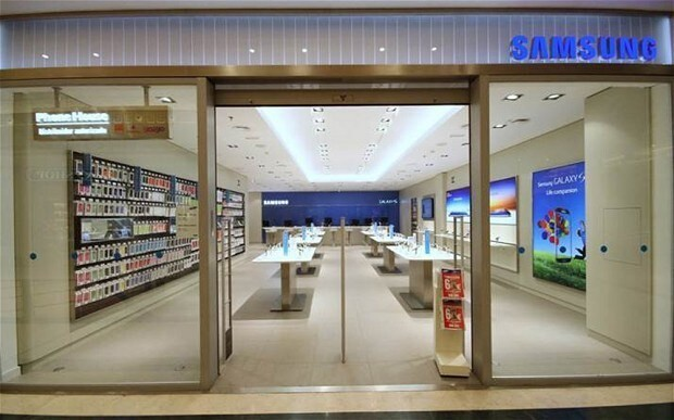 Samsung takes on Apple with branded European stores