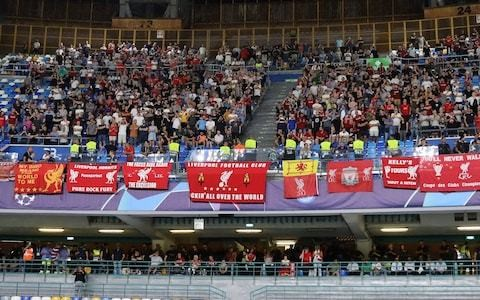 Liverpool boss takes care of injured fan in hospital after supporters attacked ahead of Napoli match