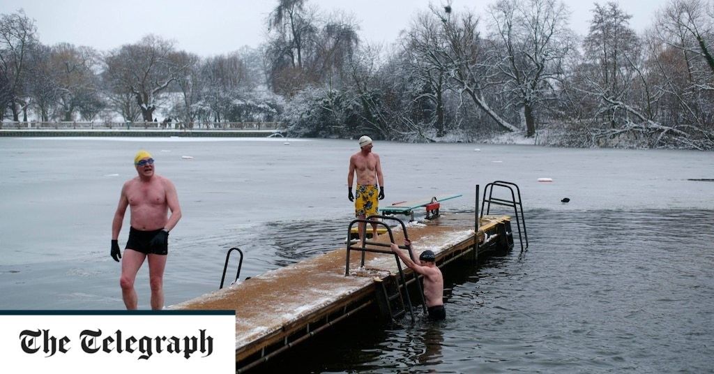Cold water swimming 'could help protect from dementia'