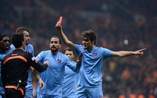 Trabzonspor player sent off for showing the referee a red card