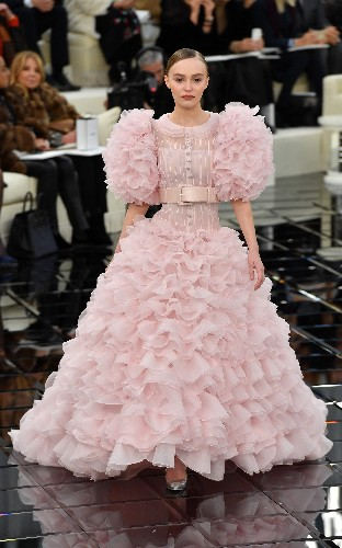 85 year-old Carmen Dell'Orefice takes to the catwalk at Guo Pei- and more fabulous looks from this week's couture shows
