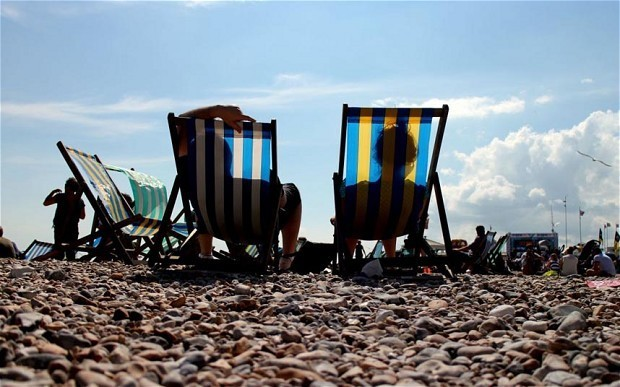 Britons could enjoy 40 days of sunshine thanks to clear skies on St Swithin's Day