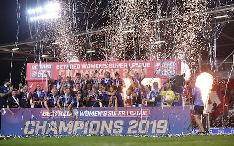 Women's Super League Grand Final: Fran Goldthorp inspires Leeds Rhinos to victory against Castleford Tigers