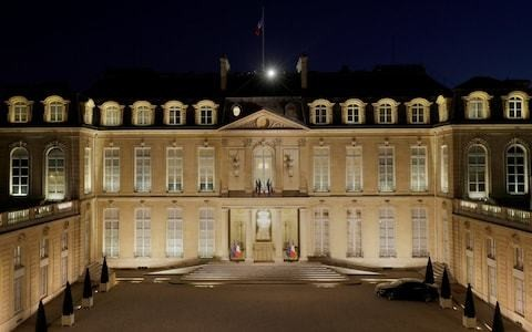 French detectives investigate disappearance of 700 artworks and furnishings from presidential residences