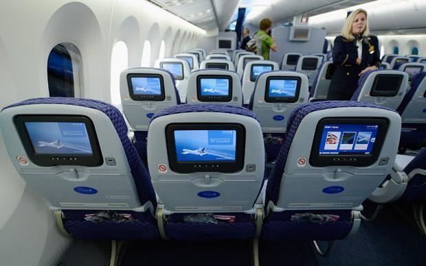 Plane giants clash over seat width