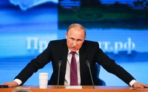 Vladimir Putin states David Cameron may have called EU referendum to 'blackmail Europe'