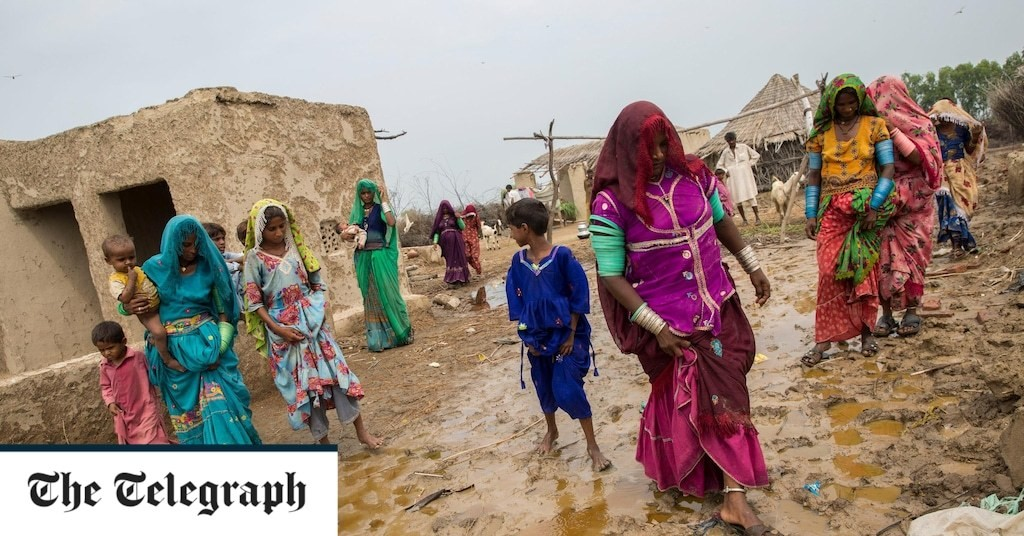 Displaced and destitute: Thousands left homeless by monsoon floods forced on to Pakistan's streets