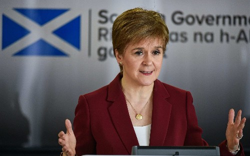 Nicola Sturgeon sets Scottish coronavirus test target of 10,000 per day