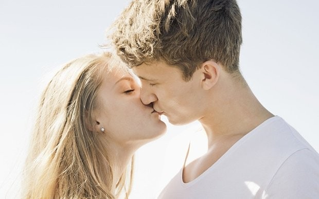 Revealed: The reason why we close our eyes while sharing a kiss