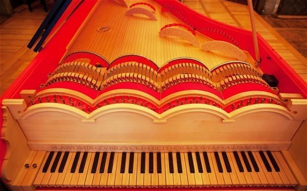 The amazing viola organista