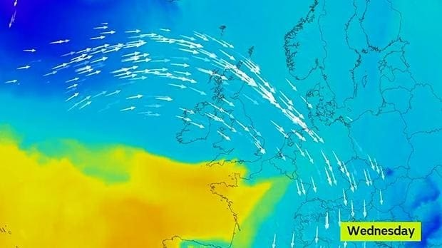 UK weather: blast from the Arctic to blow in snow to Britain